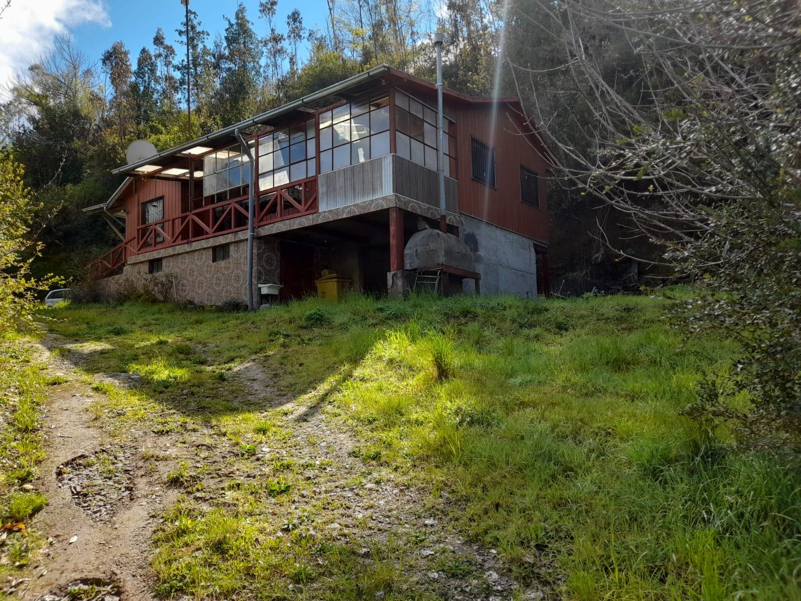Parcela con Casa y Cabaña en Arique